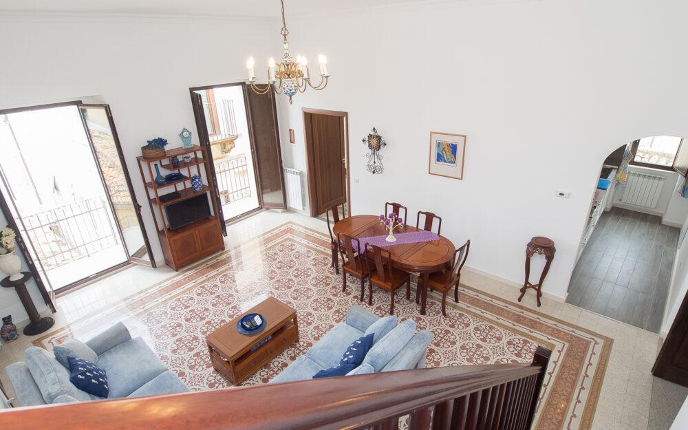 Pizzo city center – Large modern apartment – Sea views