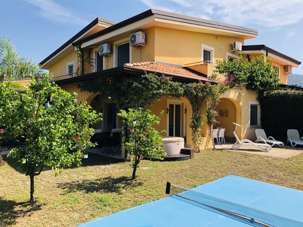 Pizzo Beach Club – Villa – 3 bedrooms, 2 bathroom, garden