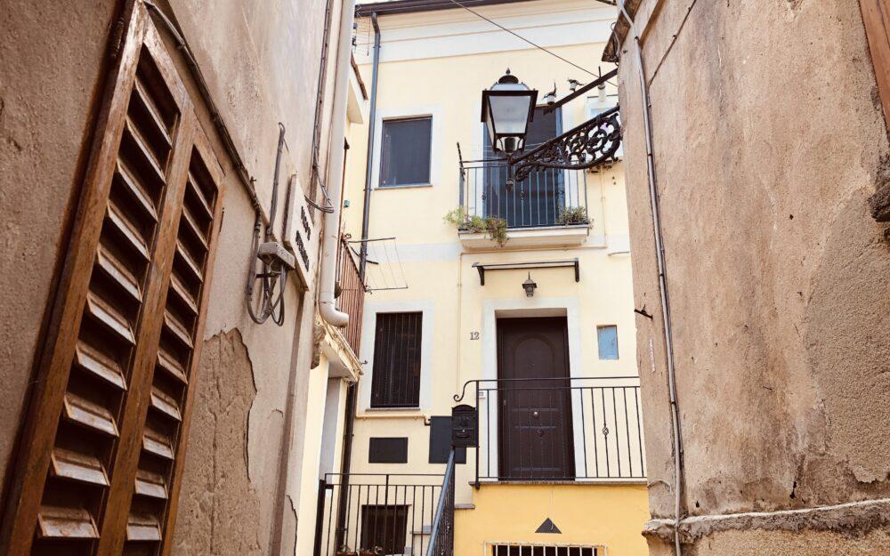 Appartamento dei legno. 1 bedroom apartment in Pizzo city center, sea views