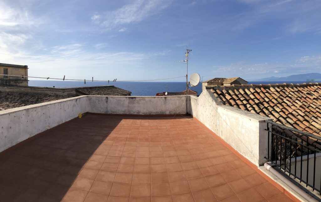 Unique old town property for sale – Sea views historic center Pizzo